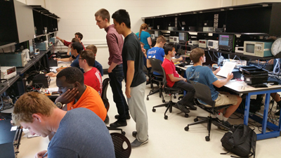 Students in Bernstein class lab